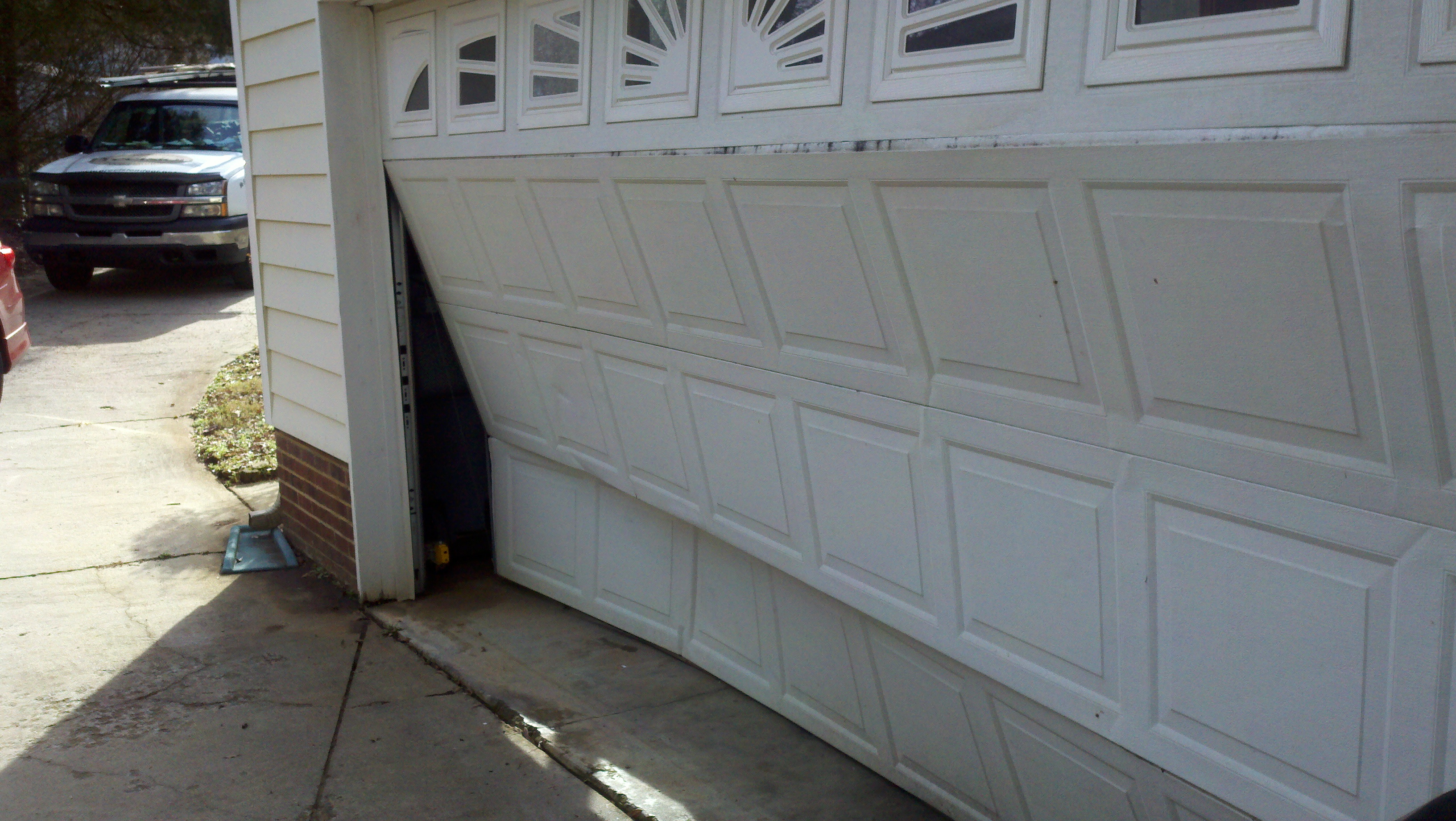 Wayne-Dalton Overhead Garage Doors Repair in Charlotte